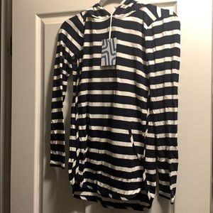 Market and Spruce Navy and white striped hoodie